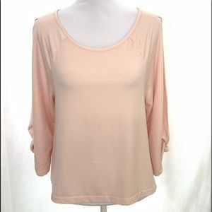 Lou Grey Soft Open Arms Top Small